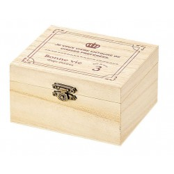 Box with wooden lid